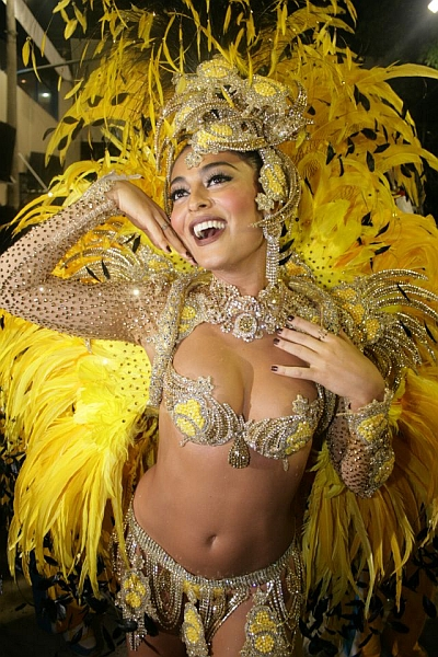 Girls naked in brazil carnaval — photo 5