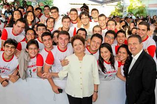 Dilma with university students