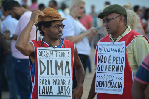 Pro-government protesters
